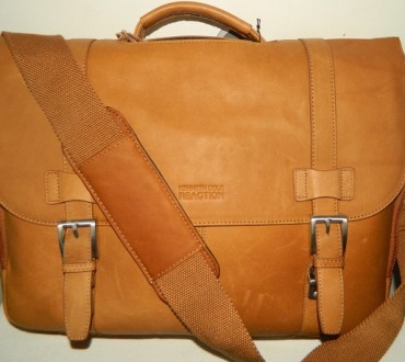 Kenneth Cole Reaction Show Business Leather Briefcase Review