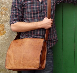 Briefcase VS Messenger Bag – The Differences